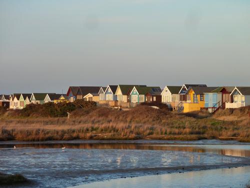 beach-huts-mudeford-spit-low.jpg 150.9 KB